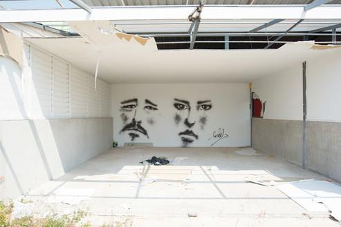 インタビュー:海辺の町フアヒンで暮らす人気アーティストLOLAY