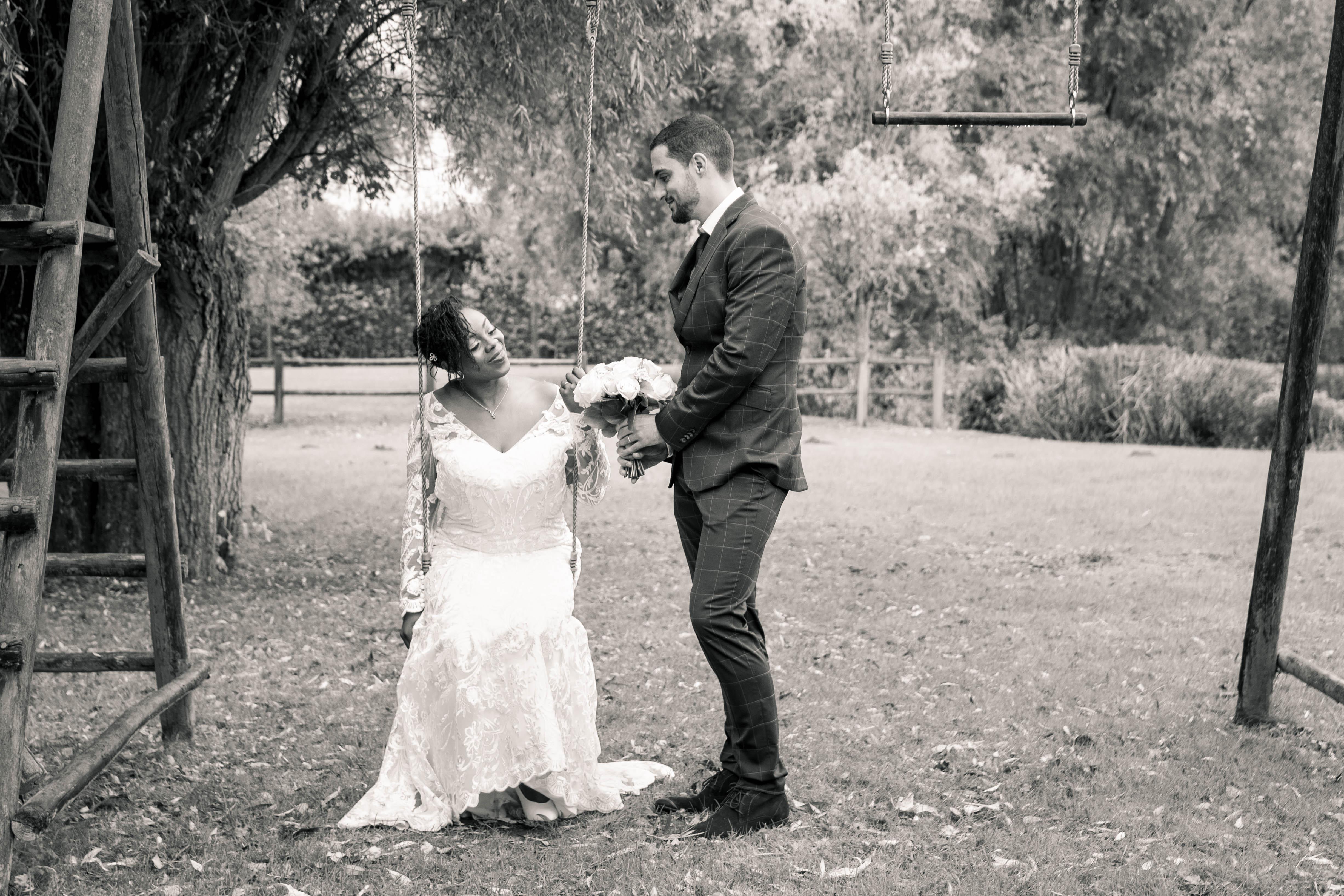 Mariage couple parc