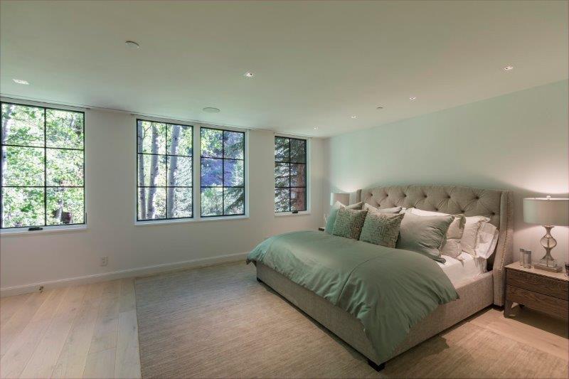 Staging-Master-Bedroom