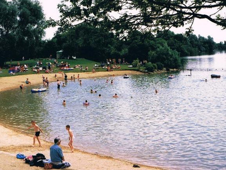 Wild Swimming Picture of the Week: Cotswold Water Park