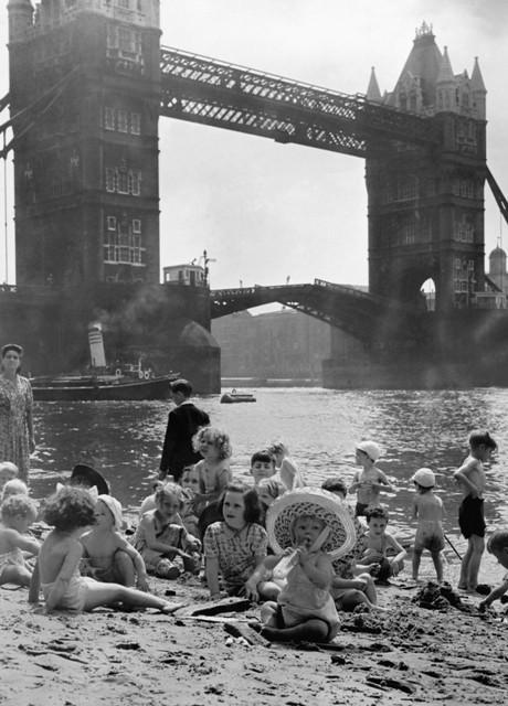 London on Sea - Tower Bridge - River Swimming