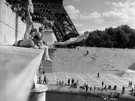 Wild Swimming Picture of the Week: Paris 1945
