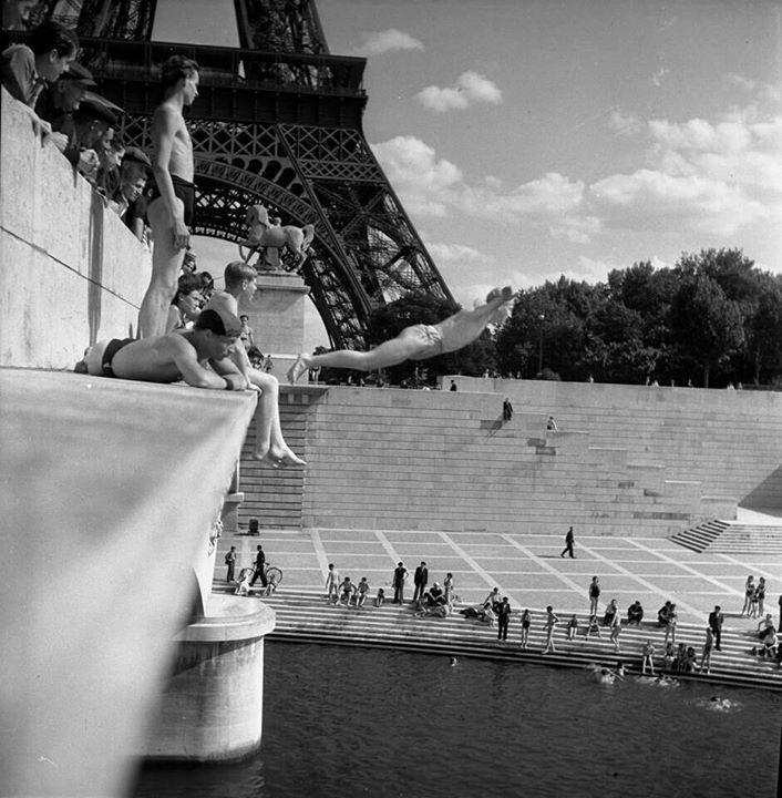 Wild Swimming Paris 1945
