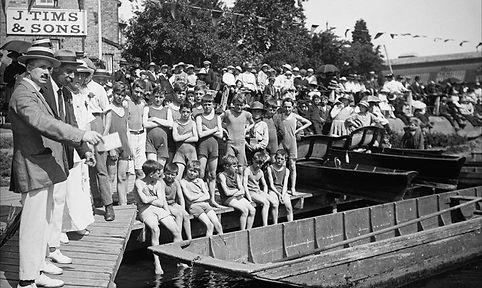 Staines Regatta 1919 Swimmin History