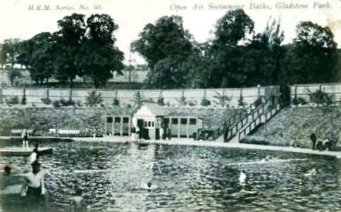 Public Swimming Bath, Gladstone Park, Dollis Hill. Open-air. Lido. London Swimming History