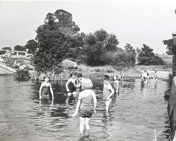 Bathing in River Lea, pre swimming pool, Welwyn Garden City