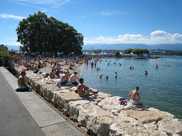 Park on the roadside and swim at Baby Plage