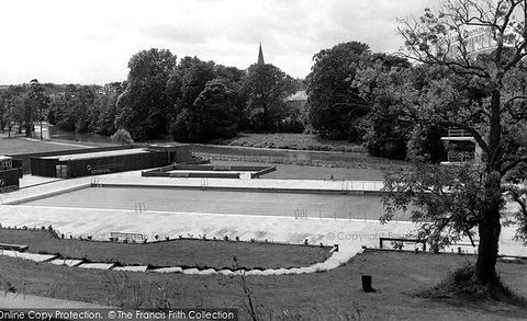 Monkton Park Swimming Pool c1960, Chippenham Swimming History