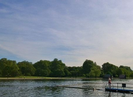 London's Wild Swimmers Love That Dirty Water
