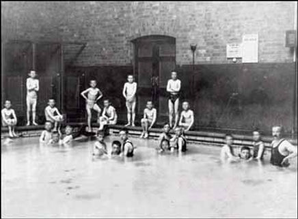 London Swimming pool, the history of swimming pools. Boys swimming, bathing.
