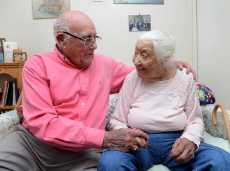 Fresh Air and Swimming Lead to a Long Life Gladys with brother Walter Fox
