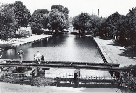 Public Baths, Commercial Road, Newnham.