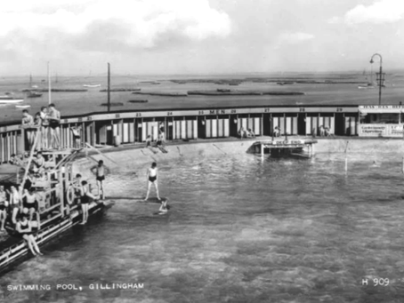 Childhood Memories of The Strand Lido Gillingham