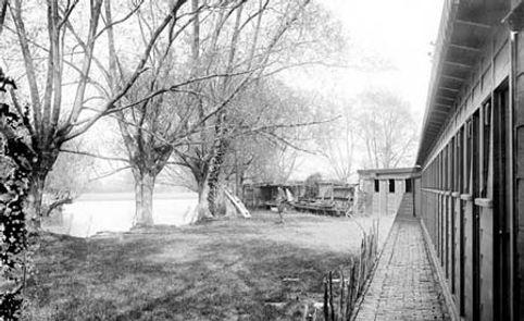 OXFORD.    Parsons Pleasure, River Cherwell. Historic wild swimming venue.