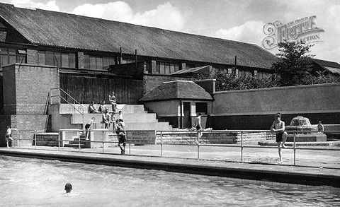 STOURBRIDGE Swimming Baths History