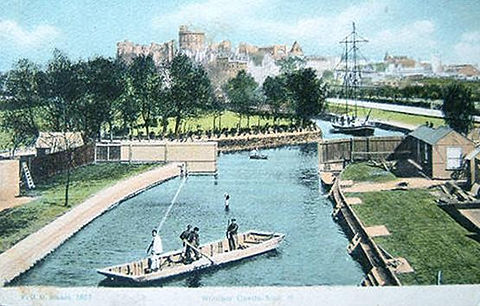 WINDSOR. ​  Public Bath. Historic wild swimming venue.    Bath Island Windsor