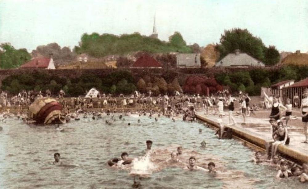 Harrow, The Swimming Pool