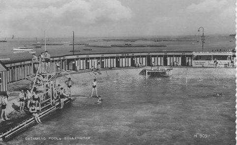 Public Swimming Bath, Gillingham. History