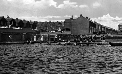 'The pond was superseded by Hilsea Lido when it opened in 1935 and was eventually demolished. Stamshaw Park replaced it, which today is an excellent amenity for local children.'