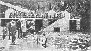 Early photo (c.1900) of Traie Fogog Bath Swimming Hisory