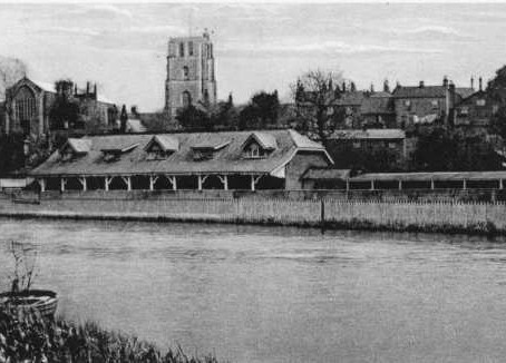 Test Your knowledge  – River Bathing at Beccles, Suffolk