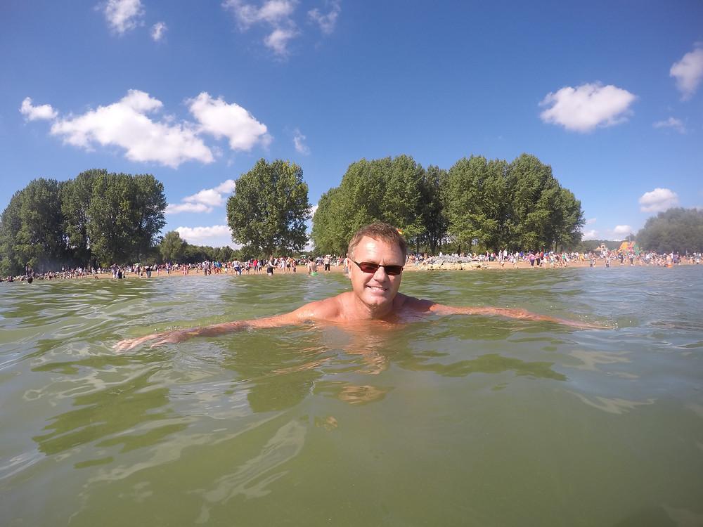 Chris Ayriss seimming at Rutland Water Beach