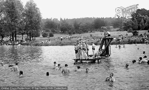 Public Bath Earlswood LAKE Earlswood Com