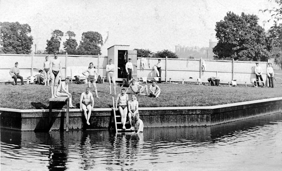 Cuckoo Weir bathing place with Windsor Castle in the background