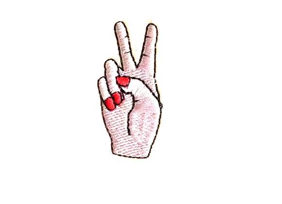Parche mano amor y paz