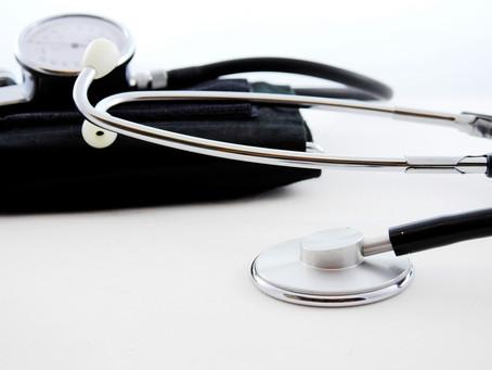 IST vergibt Stipendium für duales Studium an Arbeitgeber im Gesundheitswesen