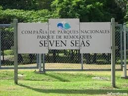 Seven Seas, Playa Escondida y Colora