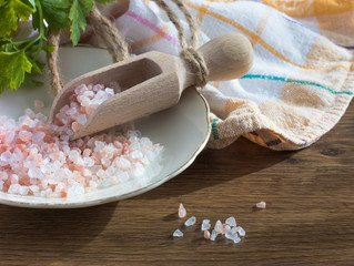 WHY REAL UNREFINED SEA SALT IS LOWERING YOUR BLOOD PRESSURE…AND WHITE INDUSTRIAL SALT IS HEIGHTENING