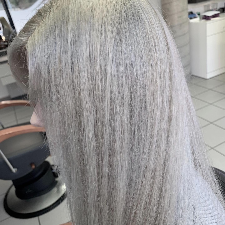 Décoloration cheveux court (repousse)