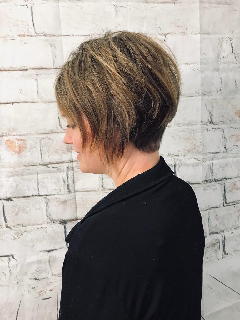 Lissage permanent cheveux courts
