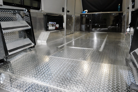 Trail Wagon - Full Floor Metal Diamond Plate Option