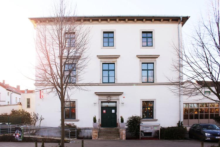 IMG_1630_wf.JPGAltenpflegeheim St Raphael Weimar Fassade fca GmbH