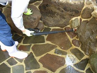 水位計配管洗浄中です