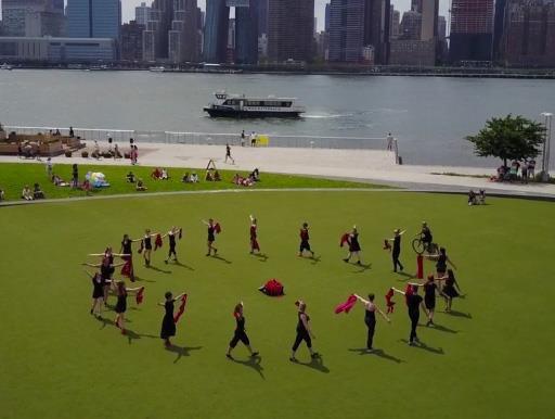 """Natalie Boegel and dancers in Joanna Mendl Shaw's """"Mandala INSITU"""""""