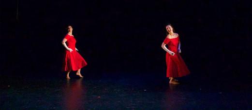 """Natalie Boegel and Hannah Soares in Bill Evan's """"Jukebox"""" photo by Jon Moore"""