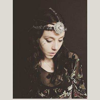 Daisy Oracle Singer Songwriter Austin New York City London