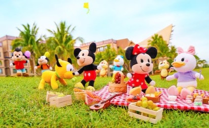 NuiMOs are coming to Shop Disney and the Disney Parks. The original release will be Mickey Mouse, Minnie Mouse, Donald Duck, Daisy Duck, Stitch, and Angel