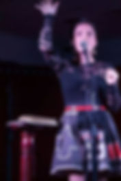 annie singing.jpg