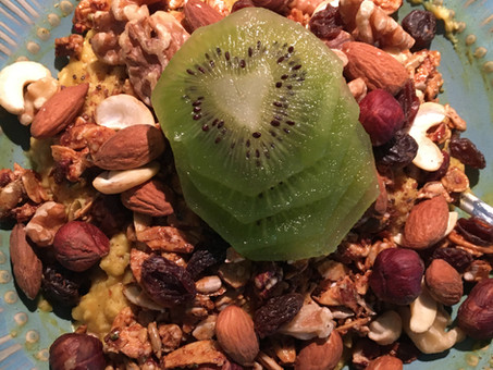 Kiwi Heart during breakfast at home