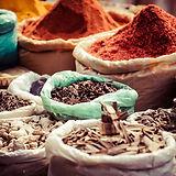 Spezie tradizionali in mercato