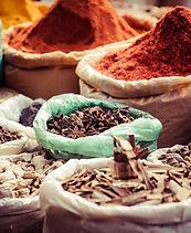 Traditionelle Gewürze in Markt