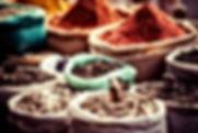 Épices traditionnelles sur marché