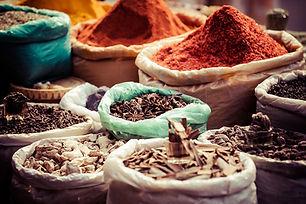 Traditionele kruiden in de markt