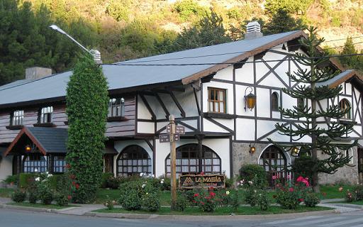 La-Masia-fachada-1