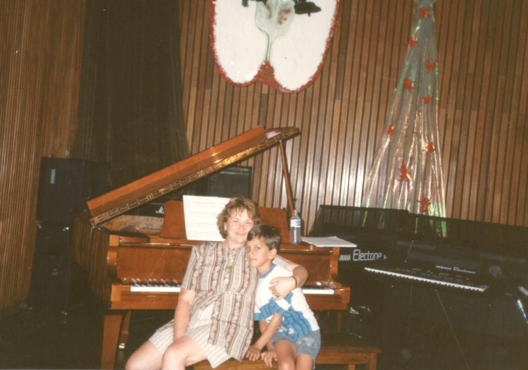 Con mi abuela Pichona Sujatovich