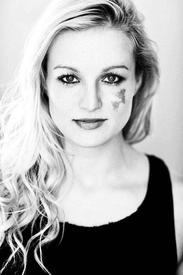 Amanda-Lyn-Jungquist by Michael Cinquino